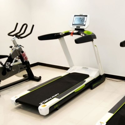 新**(NewNoble) XG-V6-T 豪华触摸屏跑步机(WIFI版) 家用跑步机